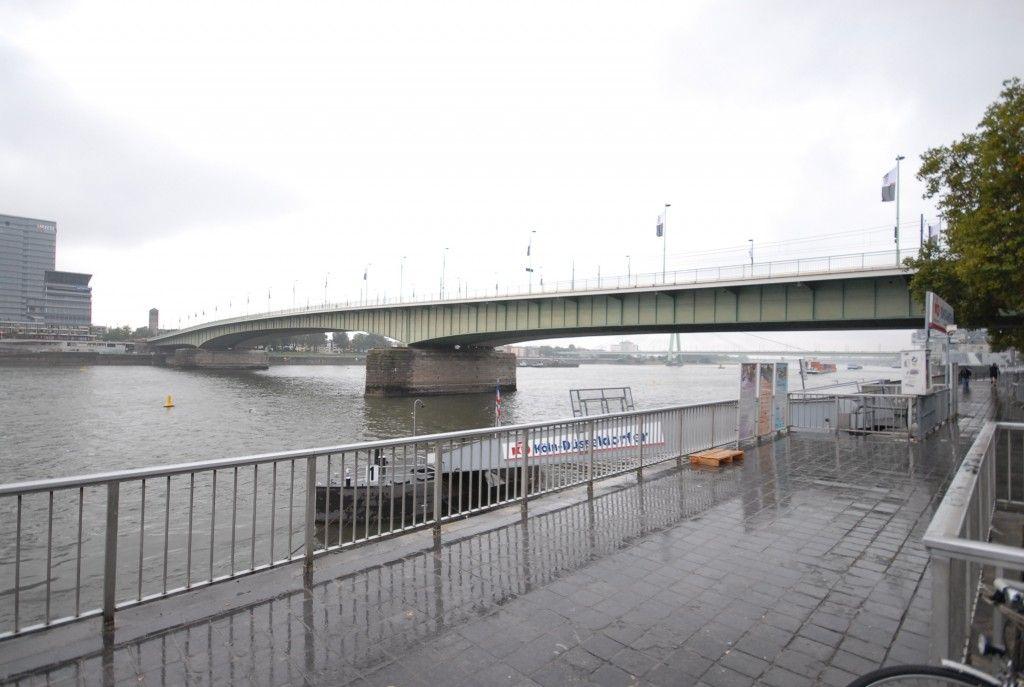 Blick auf die Deuter Brücke
