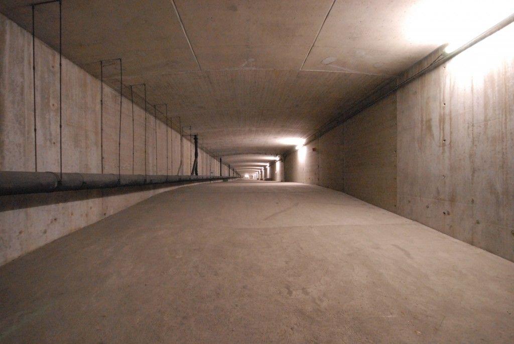 Tunnel durch die Deutzer Brücke