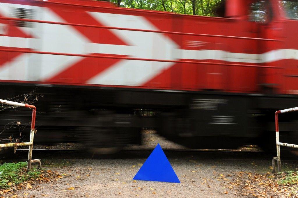 Dreieck vor Zug