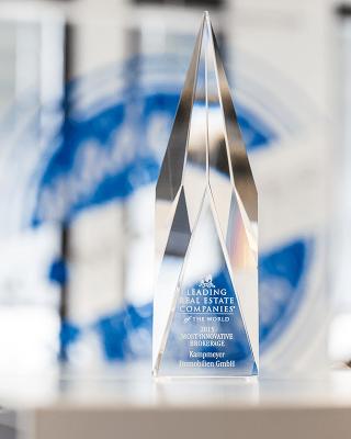 leading_re_award2015